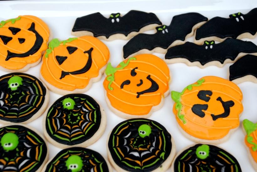 Bats, Pumpkins, jack-o-lanters, and spider webs. Spooky!