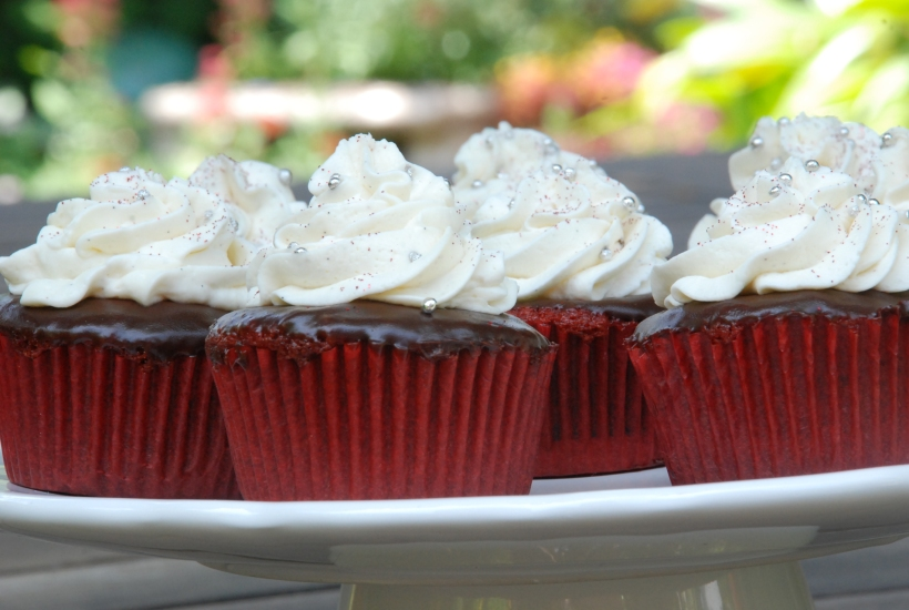 Delicious Oreo red velvet cupcakes